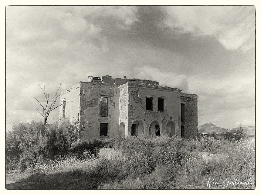 Abandoned cortijo - photo after additional editing in Capture One
